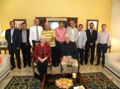 Embaixador palestino com pais de Rachel Corrie