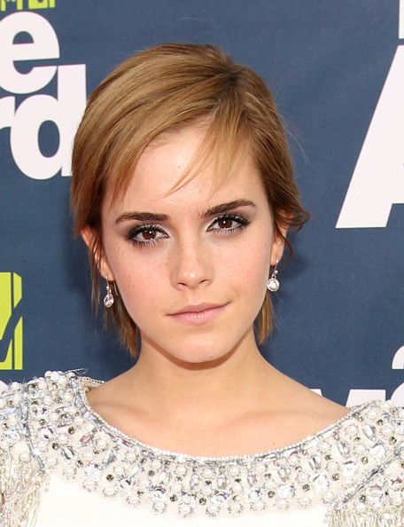 emma watson mtv movie awards hair. Emma Watson in Marchesa.