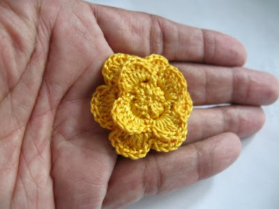 https://www.etsy.com/listing/167908577/clutch-back-flower-pin-handmade-crochet?ref=shop_home_active