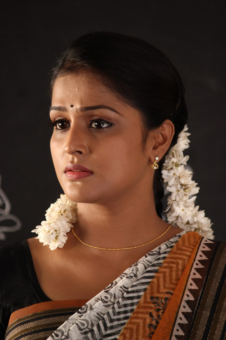 ramya nambeesan latest photo gallery photo 12 | telugu movie actress