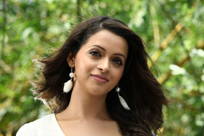 bhavana hot look