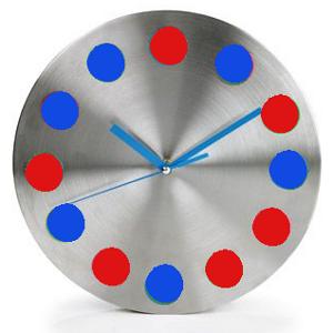 Reloj pintado en dos colores