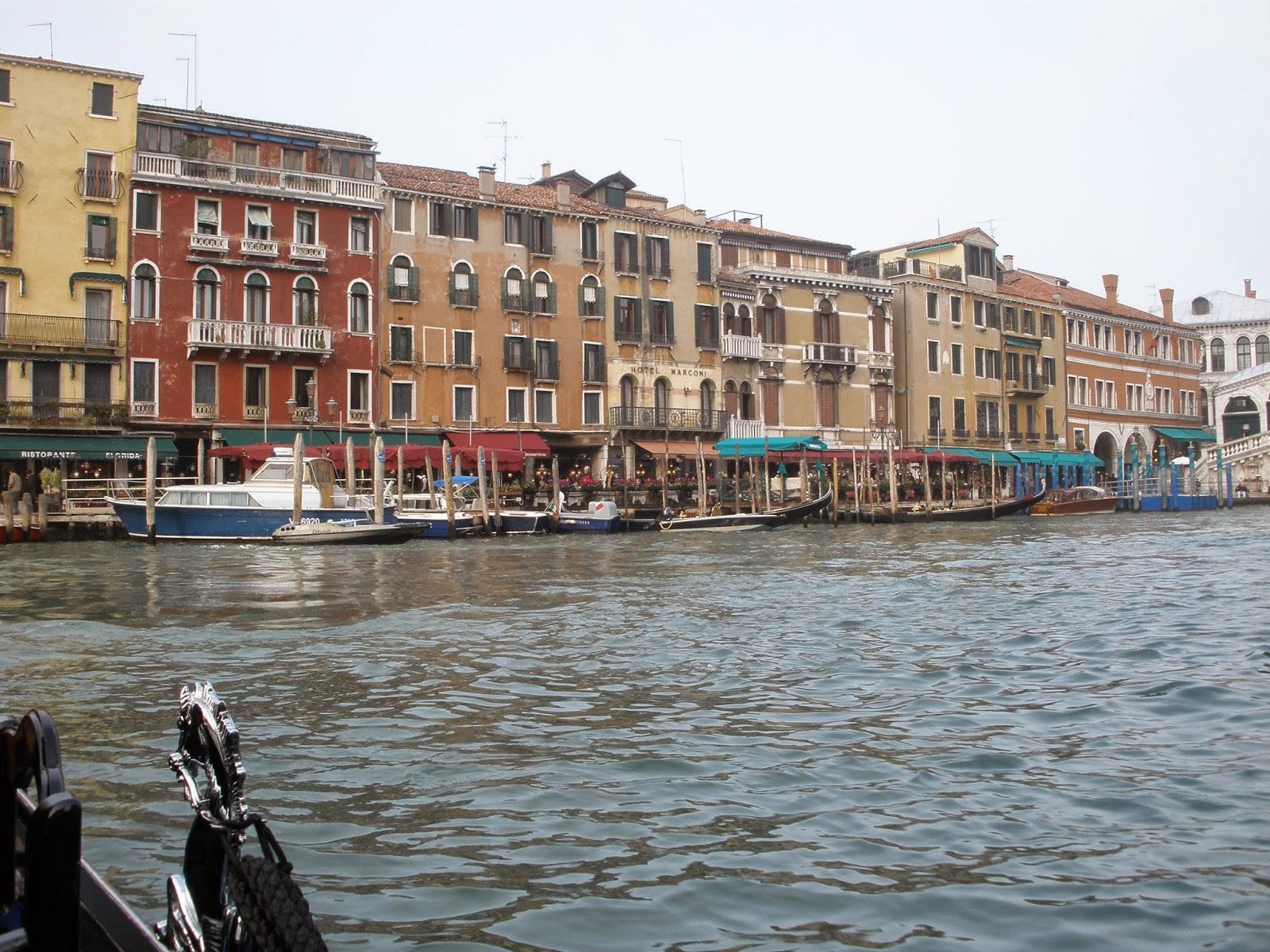 Venecia tiene innumerables canales