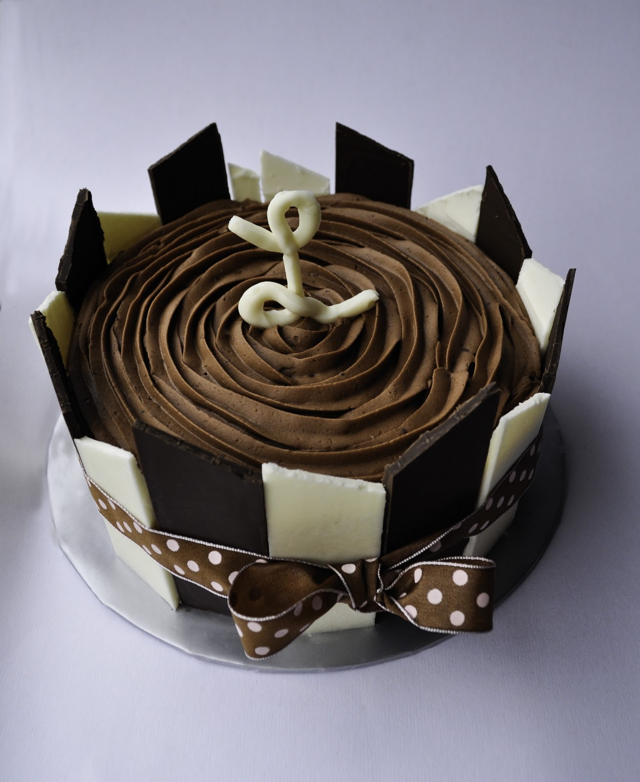 Cakes by Setia: White and Dark Chocolate Panel Bliss