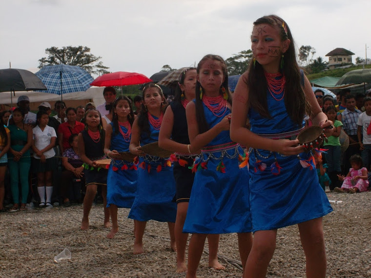 Bailarinas de musica kichwa