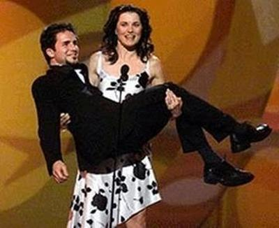 lucy lawless cradle lift women lifting men
