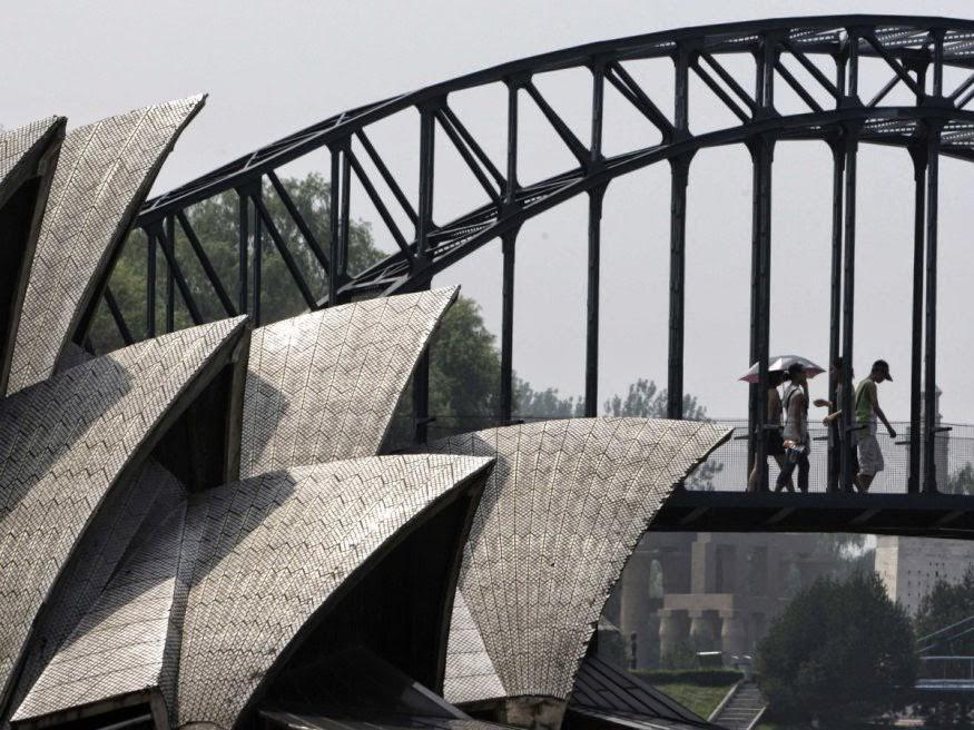 Replika Sydney Harbour Bridge dan Sydney Opera House