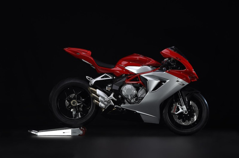 Akhirnya . . MV Agusta F3 800 ABS dijual di India untuk menyaingi Ducati Panigale 899