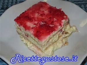 http://www.ricettegustose.it/Semifreddi_e_gelati_1_html/Tiramisu_alle_fragole_crema_pasticcera_e_cioccolato.html