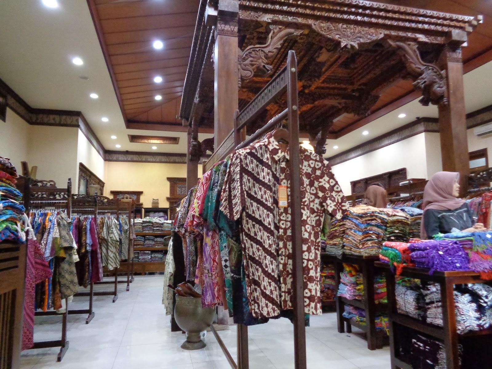 Berbagai Macam Baju di Batik Rumah 091c80d65a