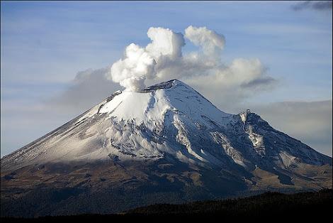 Fumarola Volcán Popocatépetl