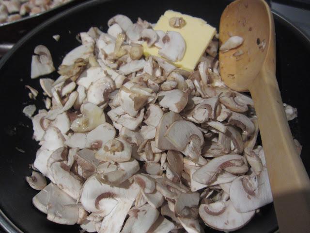 creamy mushroom sauce ingredients