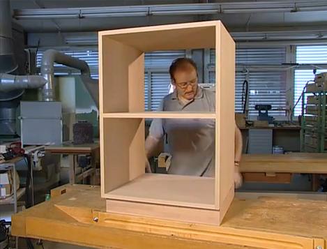 Video m dulo de cocina hecho con engalletadora portatil for Como armar un mueble de cocina