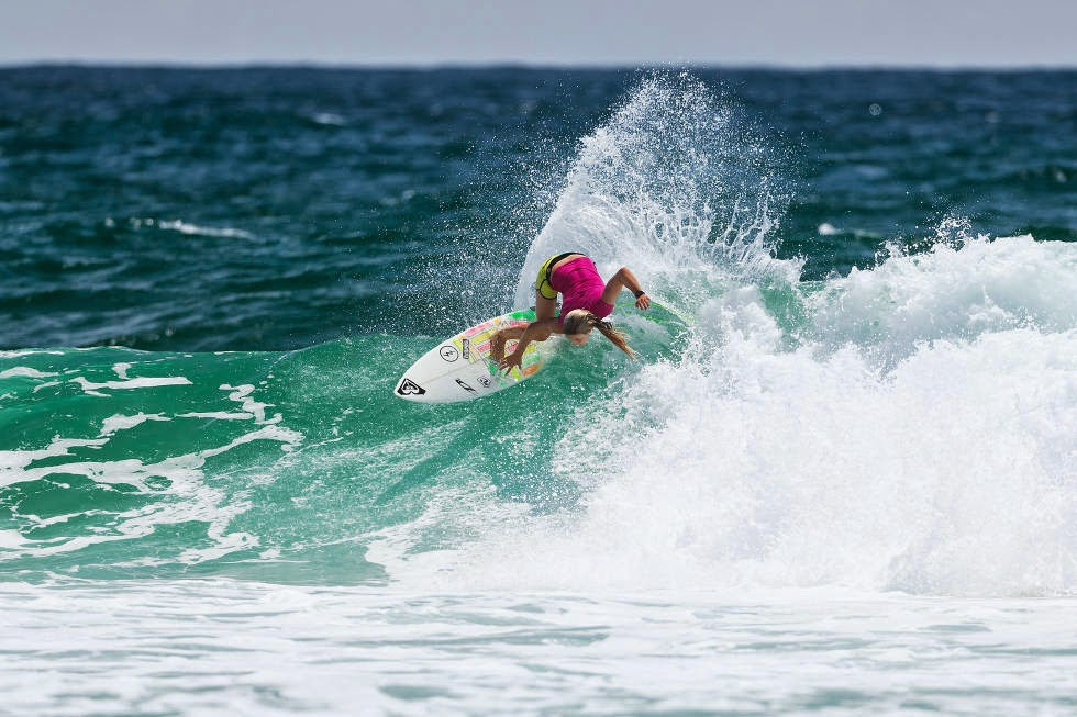 63 Roxy Pro Gold Coast 2015 Bronte Macaulay Foto WSL Kelly Cestari