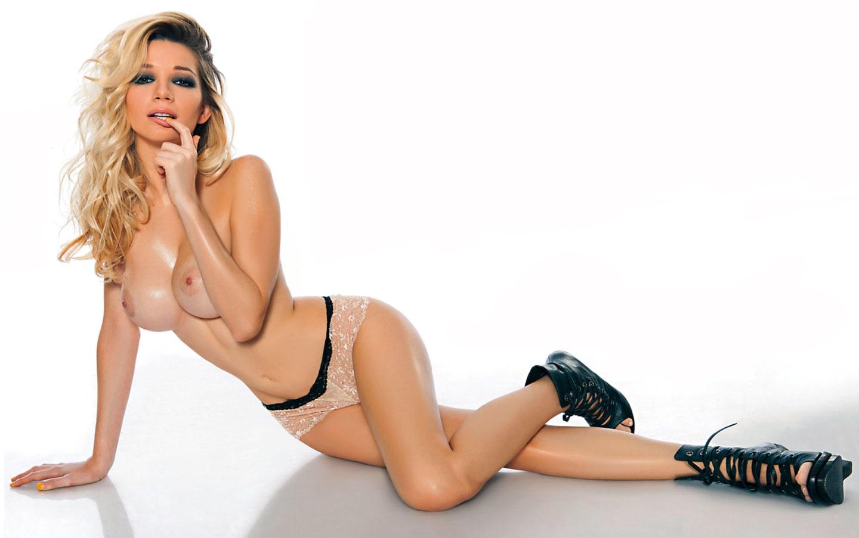 Micaela Breque Hot Para Interviu