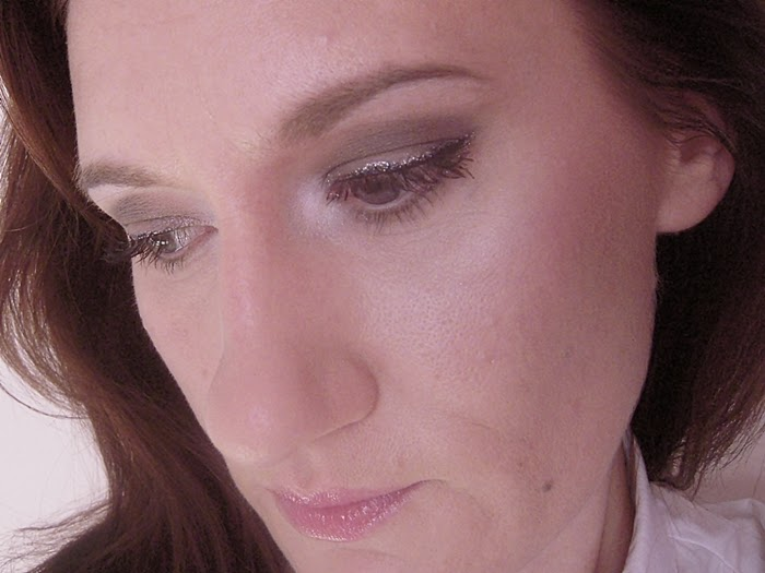 Maybelline Color Tattoo, 40-Permanent Taupe, makijaż jednym cieniem