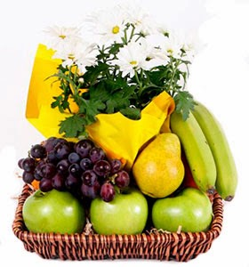 bloomex-fruit-basket