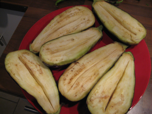 split eggplant for karniyarik