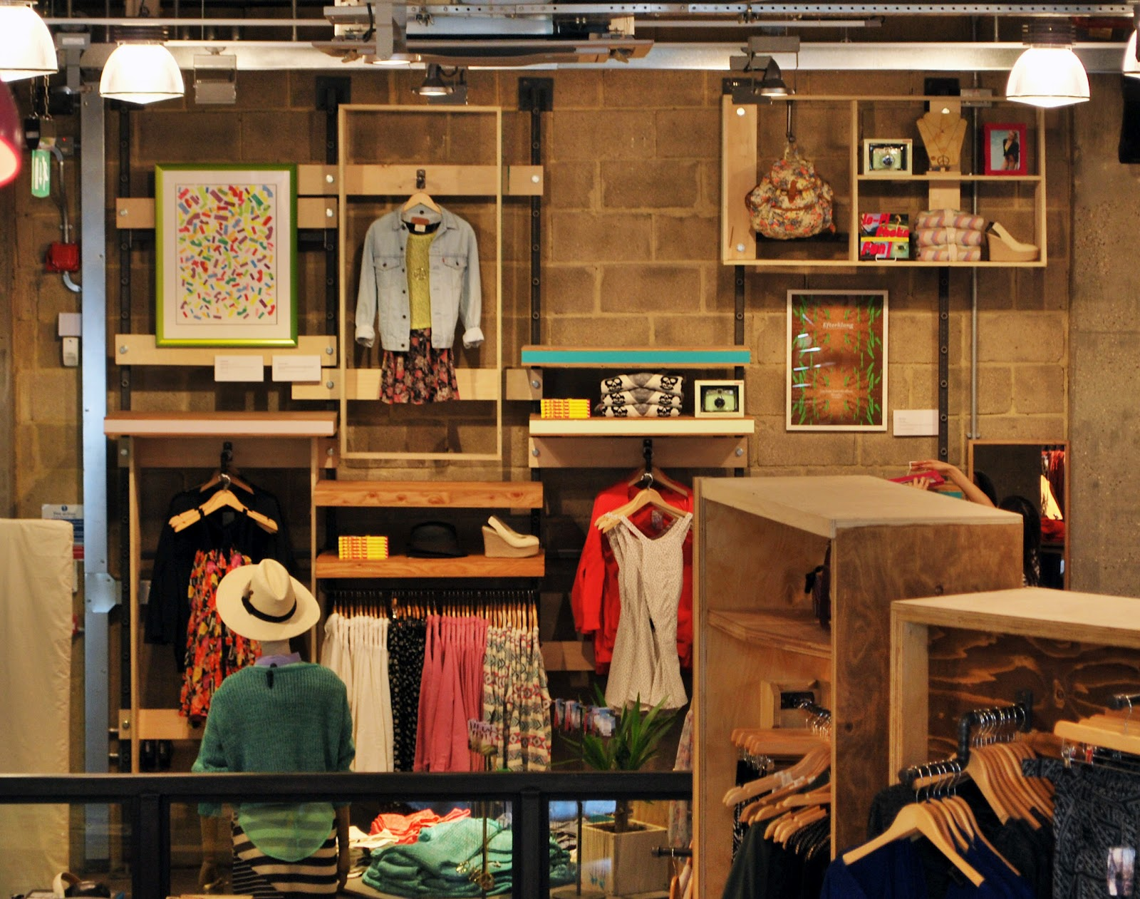 Tor sindall urban outfitters for Urban style interior design