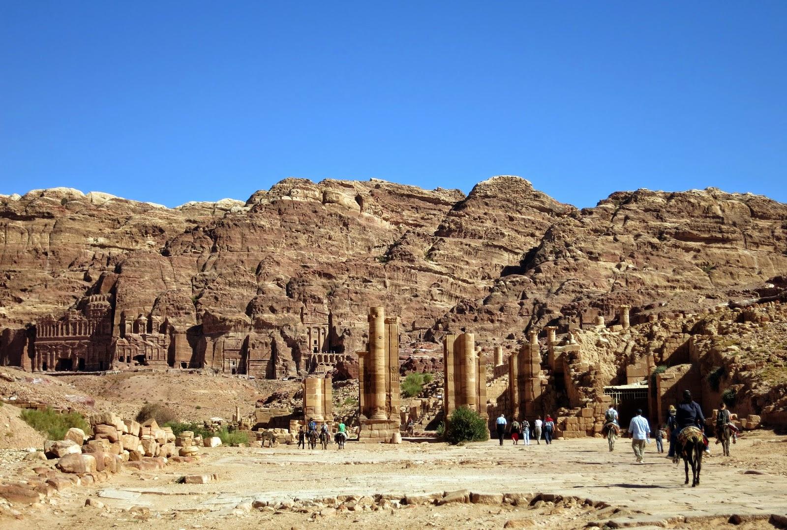 Petra, camino central
