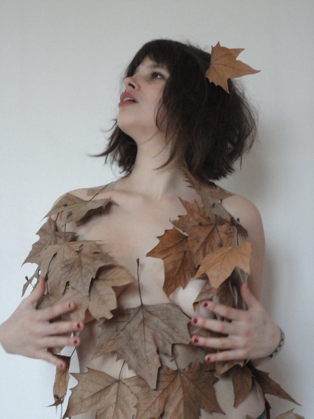 Robe ephémère les feuilles de l automne sont bien mortes mais la