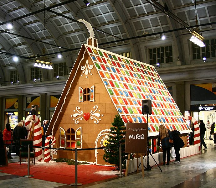 APlaceImagined 8 Amazing Life Size Gingerbread Houses