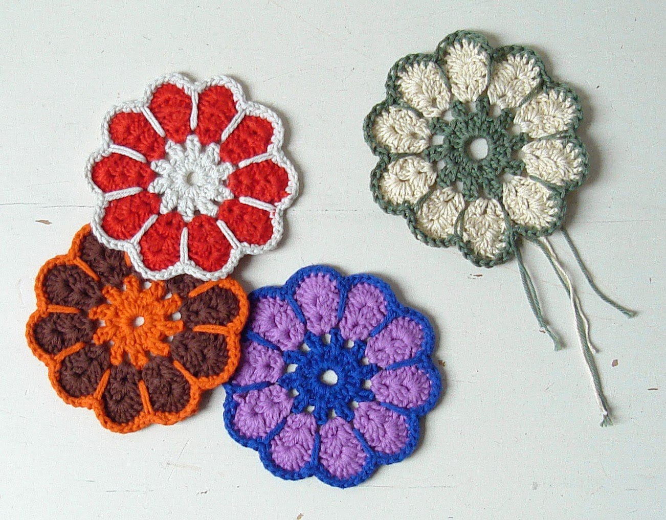 Handmadehandsome handmade items and knitting patterns retro crochet coaster bankloansurffo Choice Image