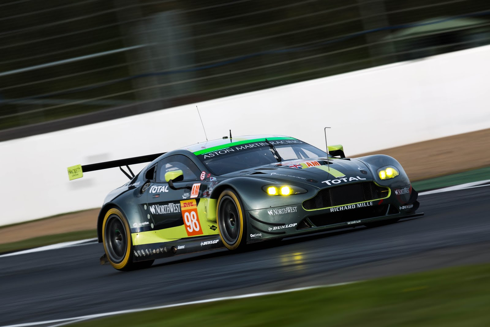 aston martin racing takes gte am podium at 6 hours of silverstone gt le mans. Black Bedroom Furniture Sets. Home Design Ideas