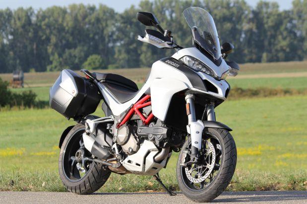 Duel BMW S1000XR VS Ducati Multistrada 1200S