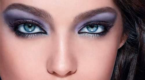 ojos azules y bonitos delineados