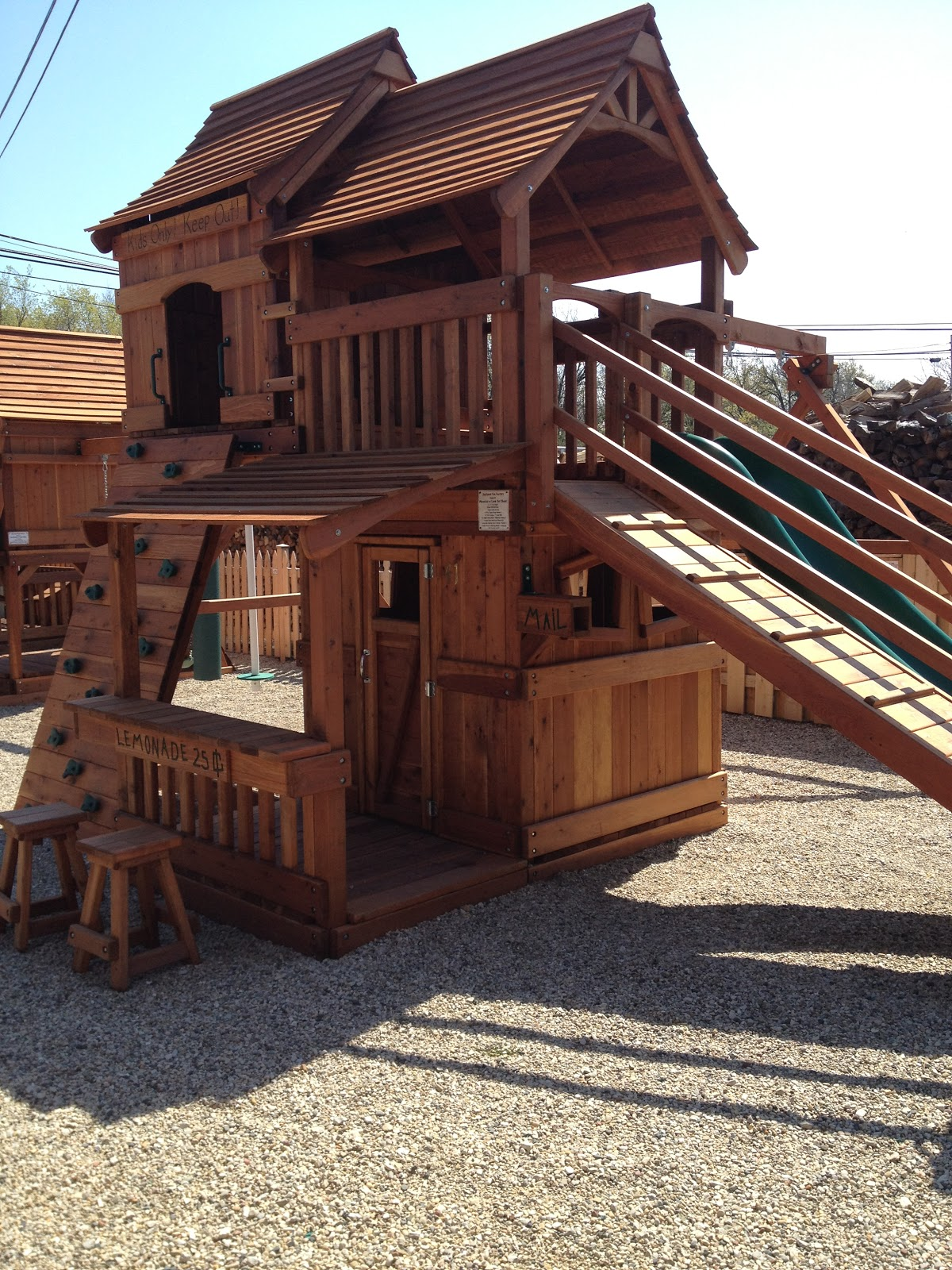 Attirant Introducting Backyard Fun Factory!