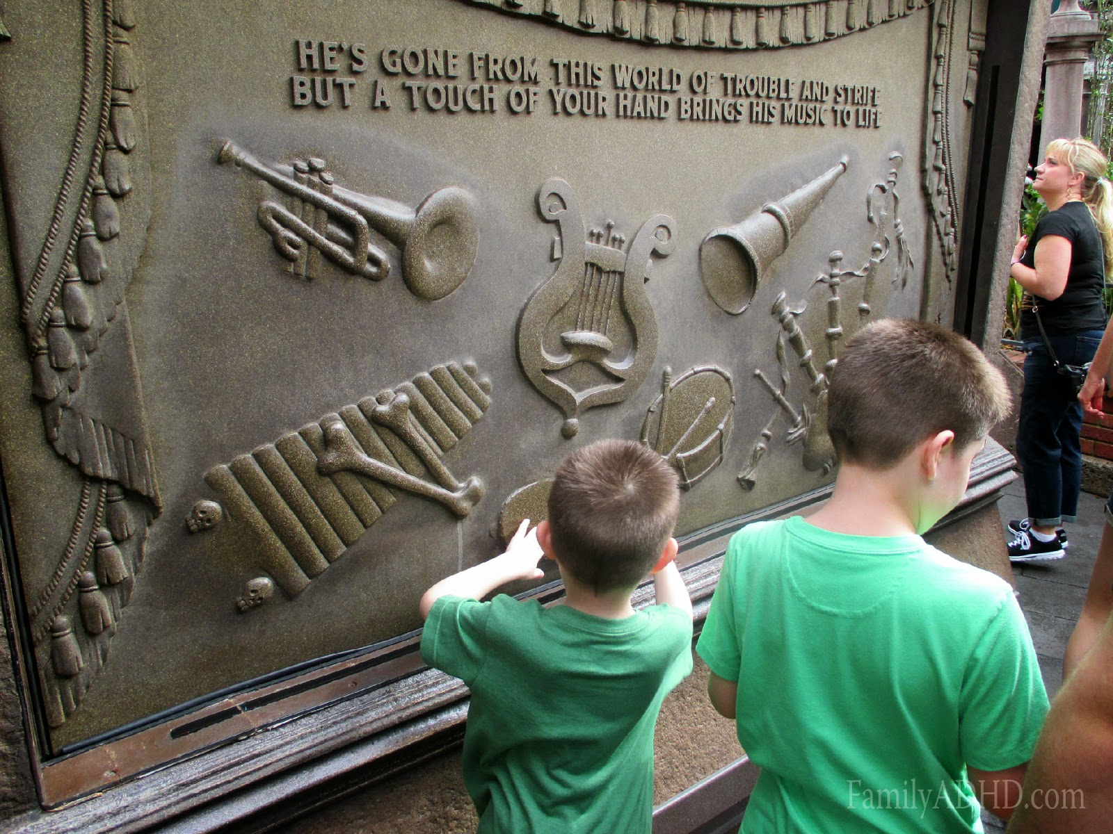 orlando family travel guide 2015 haunted mansion review & tips