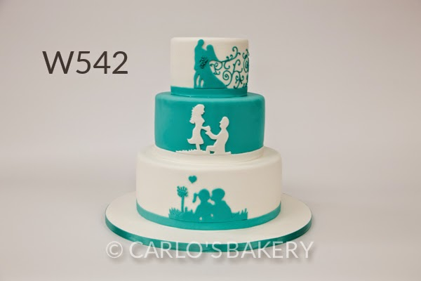 Bolo Moderno Carlo´s Bakery - Detalhes Azul e Branco