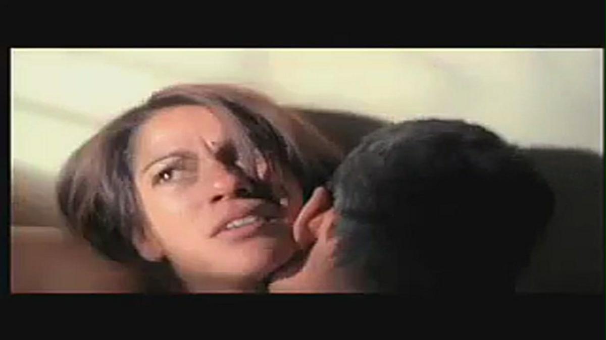 Irfan Khan intimate Scene with Koel Purie Best love