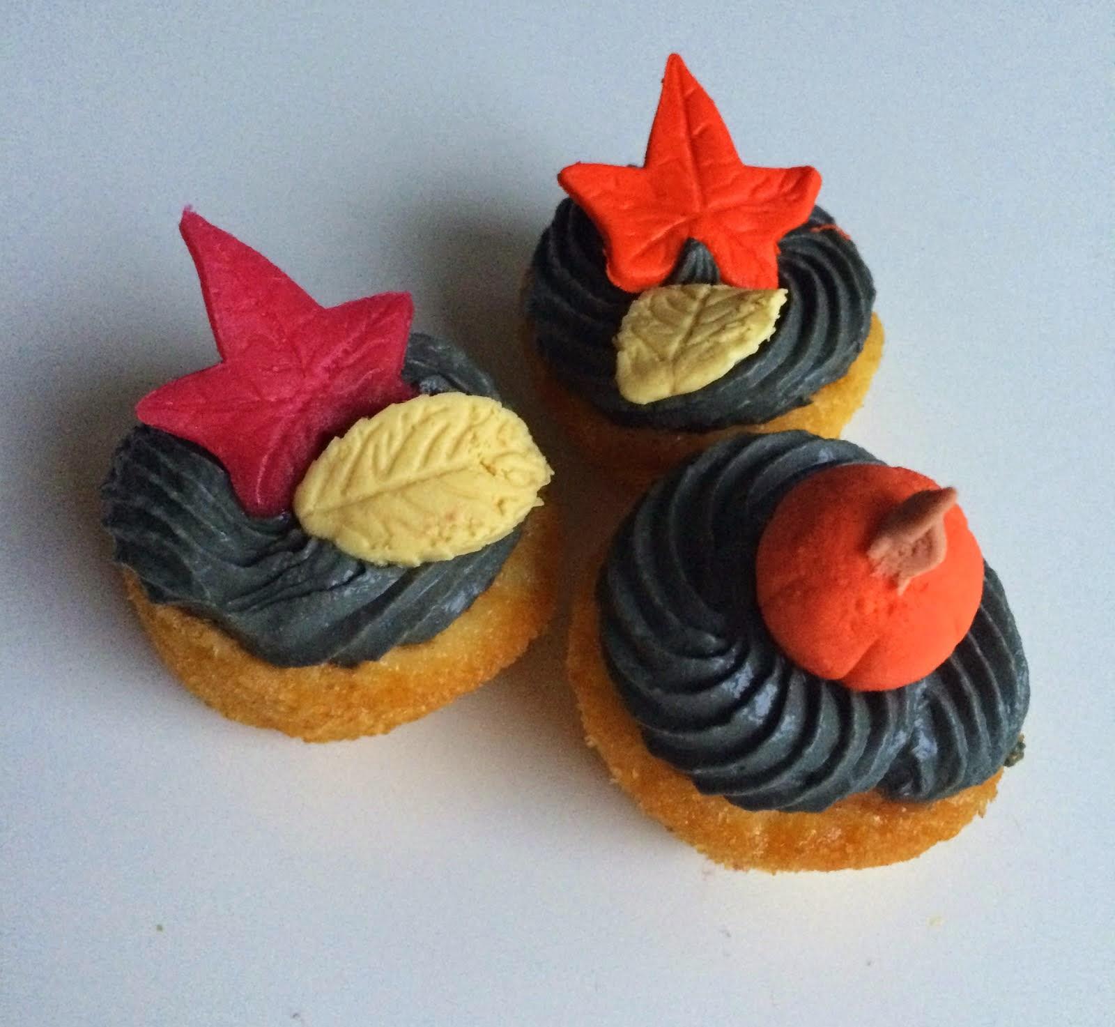 Minicupcakes med lakrits,dulce och hallon