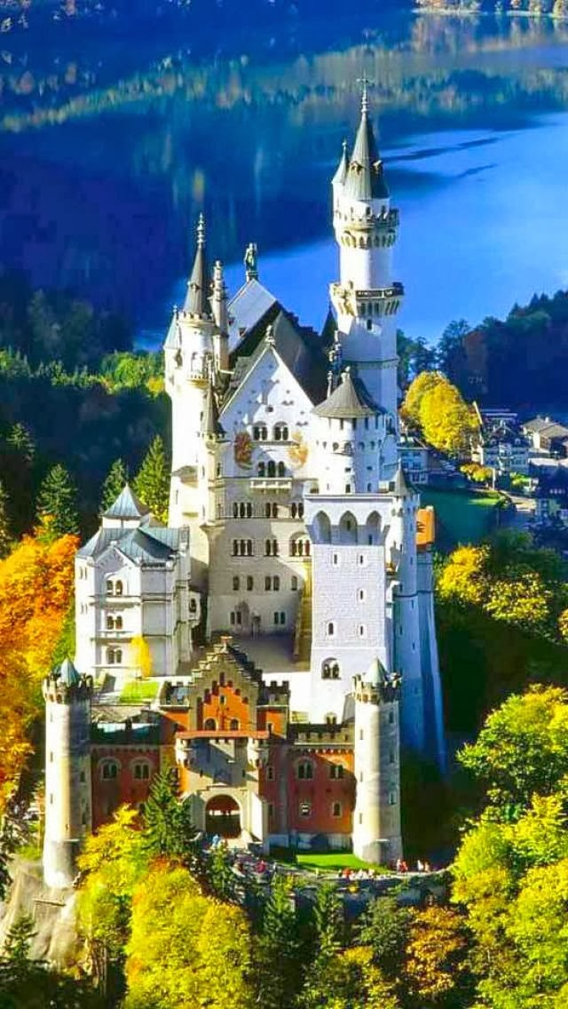 10 Most Beautiful Castles Around The World