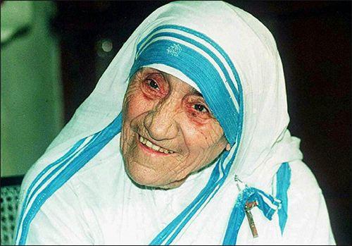 A alegria suscita alegria . - Madre Teresa