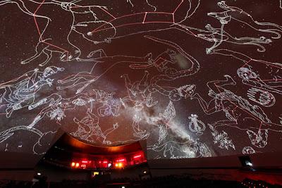 El Hemisfèric descubre el cielo en verano con el ciclo de planetario en directo 'Las Nocturnas'
