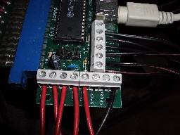 Placa j-pac con el cableado de los botones auxiliares