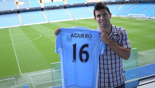 """El Kun"" completes move to Man City."