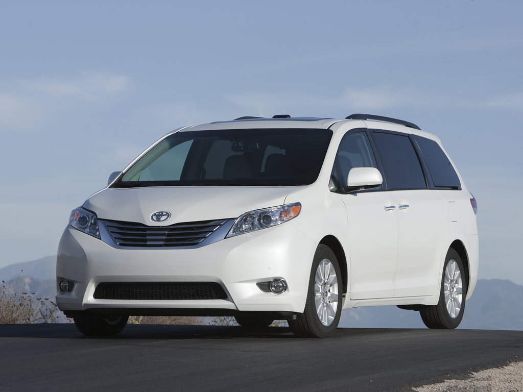 Luxury Fast Cars Wallpapers 2011 Toyota Sienna Van