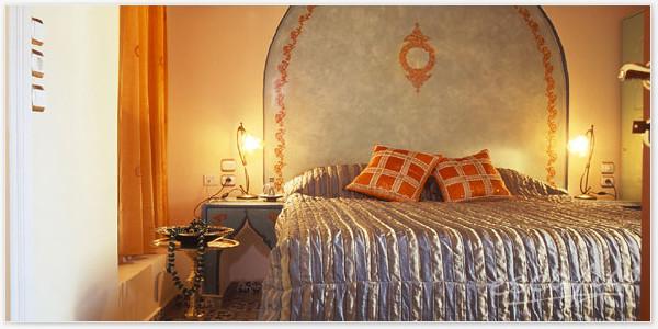 Boiserie c aaa cercasi stencil facile - Stencil camera da letto ...