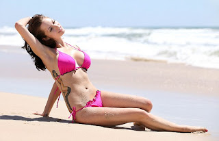 Jessica Jane Clement, Jessica Jane Clement Bikini