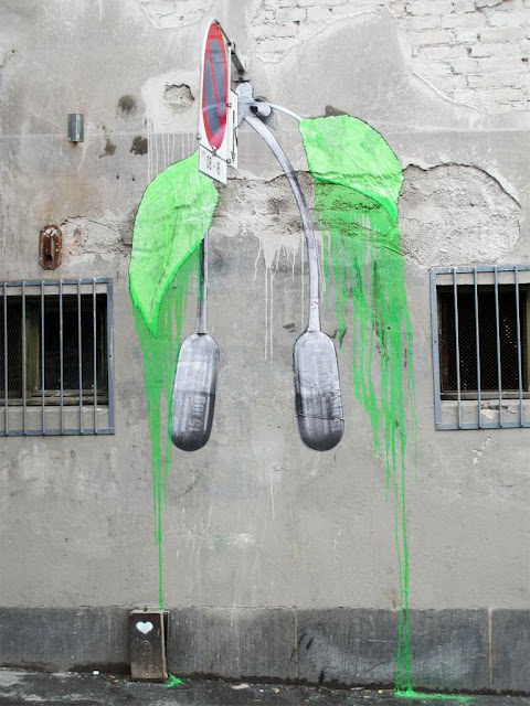 French Street Artist LUDO Paintings Seen On www.coolpicturegallery.us