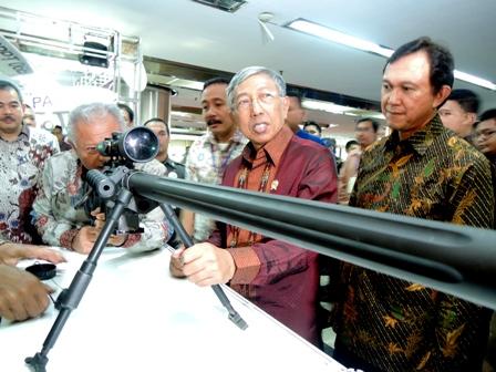 http://www.jurnas.com/news/104827/_Komodo_dan_Roket_Karya_Anak_Bangsa_Diluncurkan_/1/Nasional/Politik-Keamanan