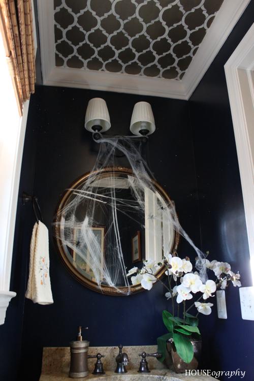 HOUSEography: Spooky (and Fun!) Halloween Bathroom Decor