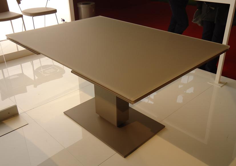 Riflessioni di una lady semiseria calligaris tavoli e sedie tutte le novit dal salone del mobile - Tavolo olivia calligaris prezzo ...