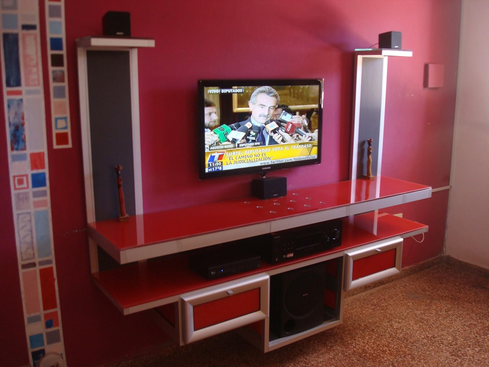 Disenti muebles de aluminio mueble de living para multimedios for Muebles para living