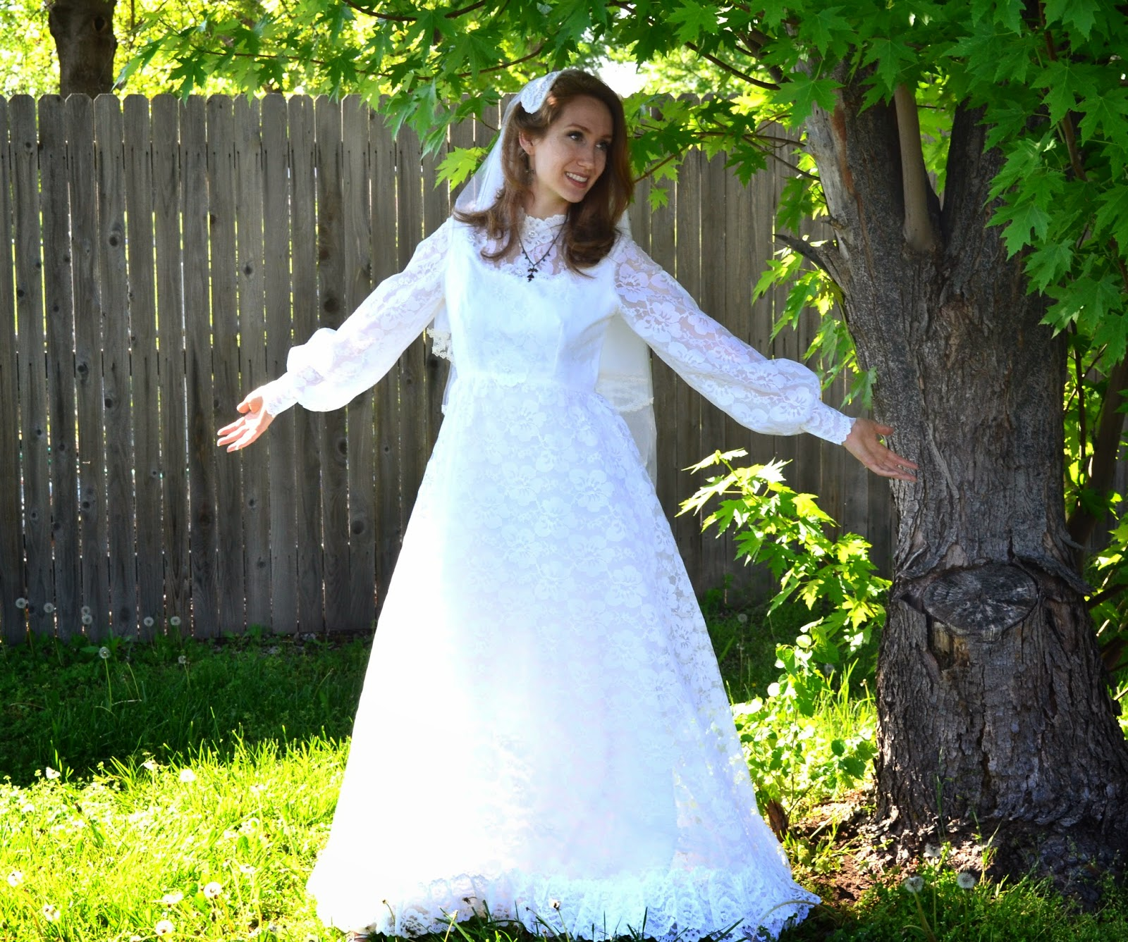 https://www.etsy.com/listing/187488913/floral-white-wedding-dress-1960s-empire?ref=shop_home_active_7&ga_search_query=wedding