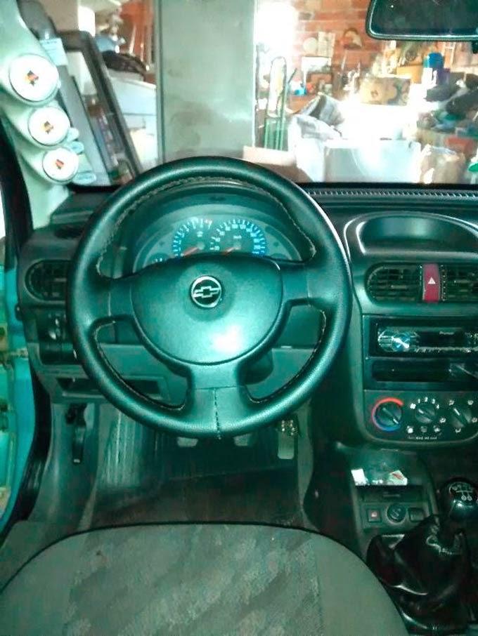 """Corsa Hatch Rebaixado Rodas 17"""""""
